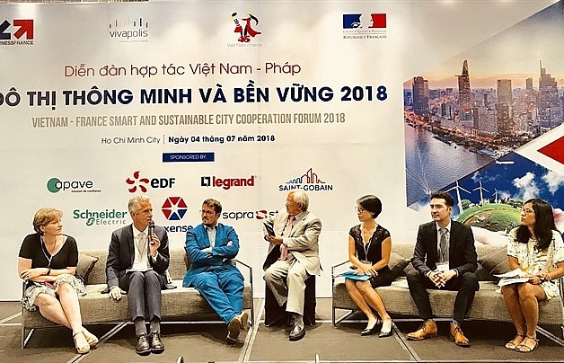 vietnam france agree to cooperate in building smart cities