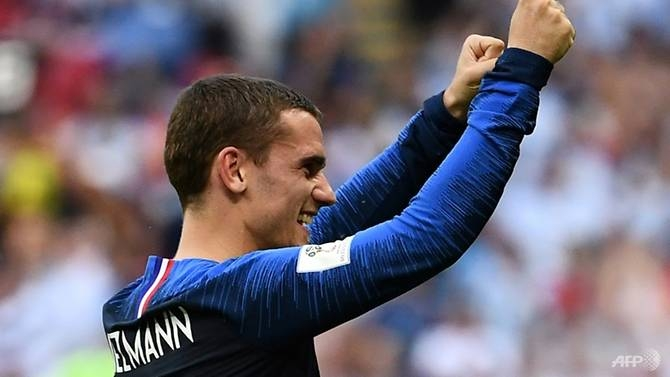 godfather godin wont give ground to griezmann in world cup battle