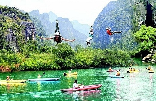 quang binh sees accommodation overload during tourist season
