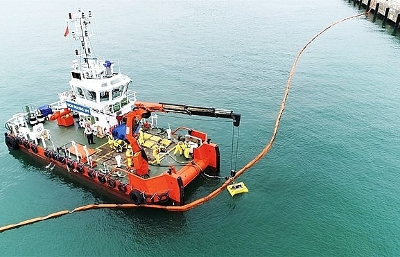 thanh hoa province holds oil spill response drill
