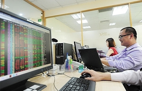vn stocks advance on positive market sentiment