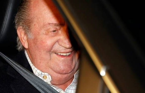 former spanish kings ex mistress says he laundered money