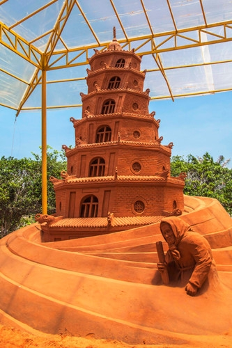 vietnams first sand sculpture park opens in phan thiet