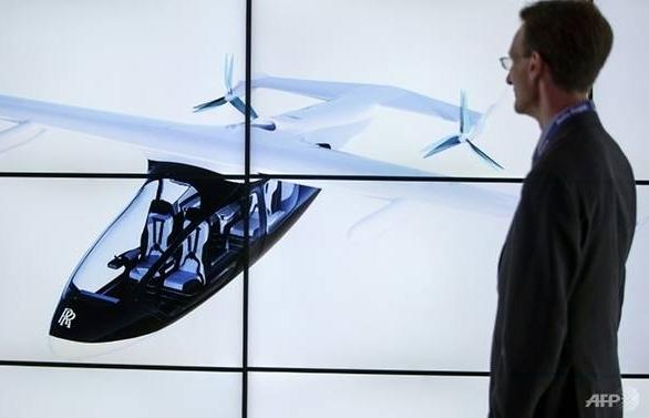 rolls royce unveils hybrid flying taxi
