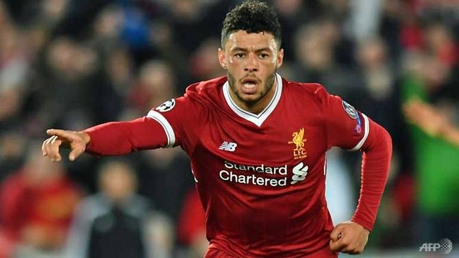 injured liverpool star oxlade chamberlain likely to miss whole season