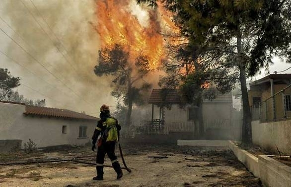 at least five dead in greek wildfires