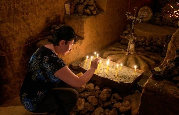heaven guided underground maze proves armenian tourist draw