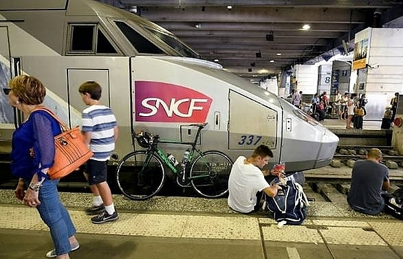 french train chaos for vacationers as key station crippled