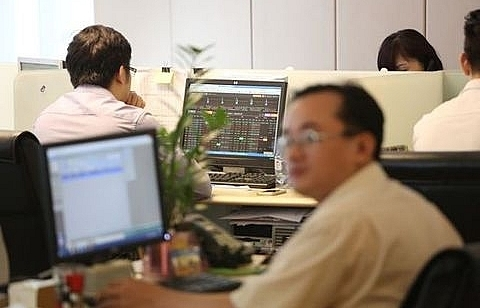 vn index down trading liquidity remains weak