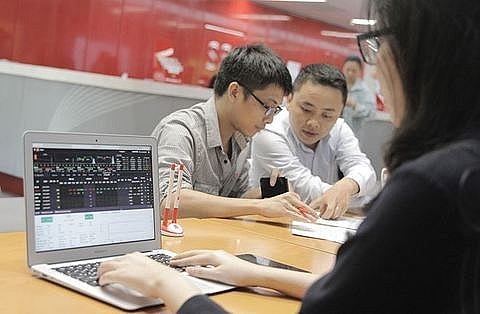 vietnamese stocks mixed with low trading liquidity