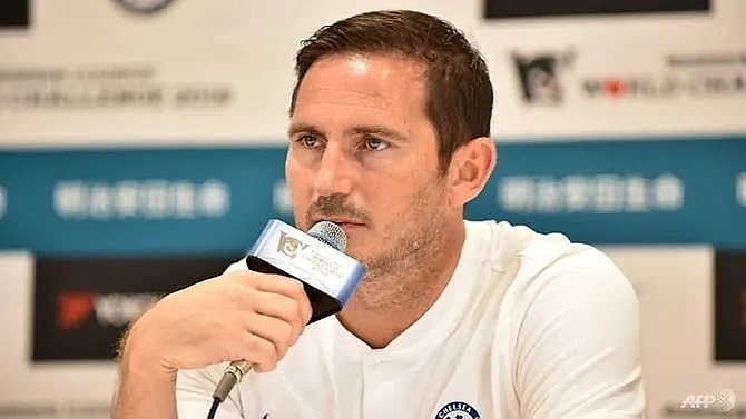 lampard wont look backwards as he takes over chelsea