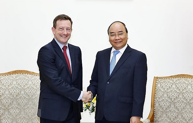 pm calls for strengthened vietnam france cooperation