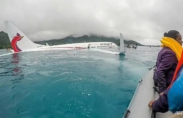 pilot error blamed for ditched pacific airliner