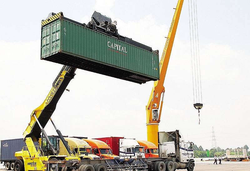 options open up in logistics sector
