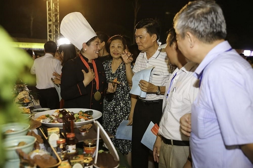 eel food festival holds vietnam record
