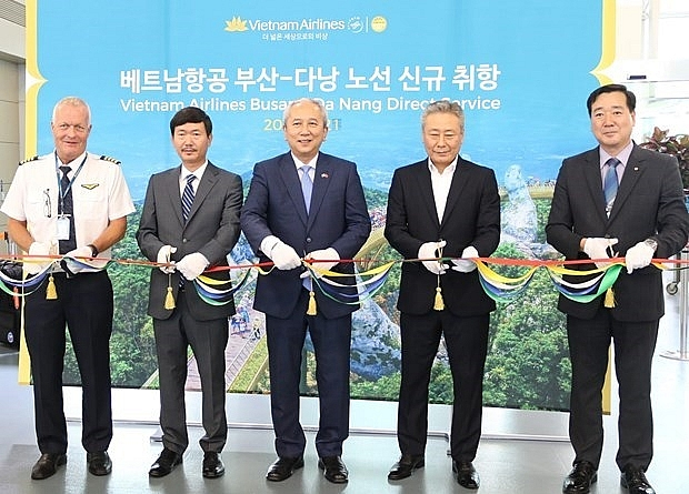 vietnam airlines launches da nang busan air route