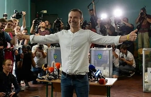 rock star vakarchuk shaking up ukrainian politics