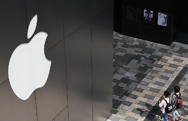 Apple in talks to buy Intel smartphone chip unit: Report