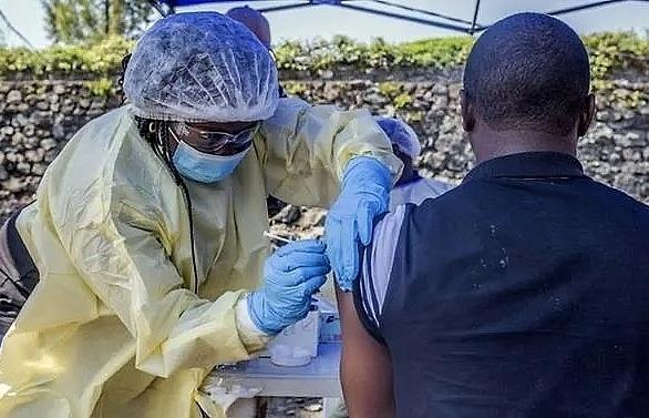 world bank deploys us 300m to dr congo to contain ebola outbreak