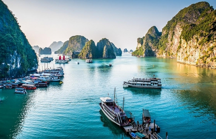 ha long bay enters top 10 most beautiful sunrise spots