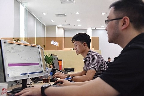 vn stocks move up on financials consumer staples