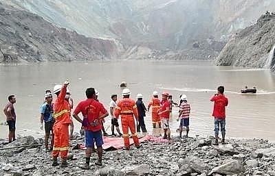 myanmar death toll in jade mine landslide climbs to 113