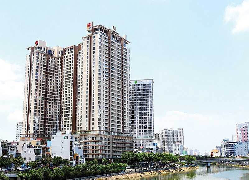 1500p20 local investors hurry to acquire real estate land