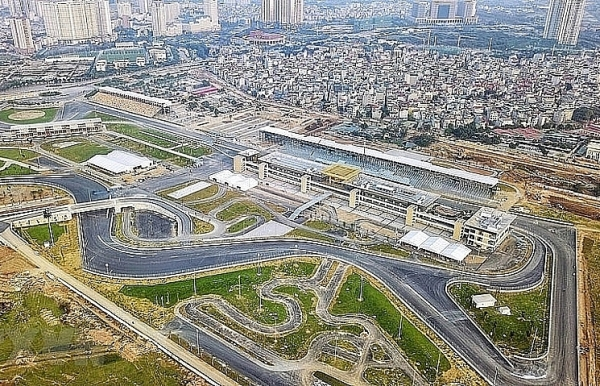 hanoi considers hosting first f1 grand prix in november