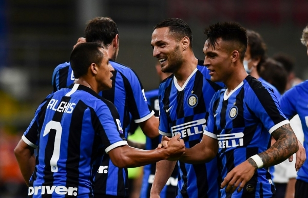inter move second close in on champions league with torino win