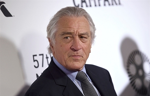 hollywoods de niro freeman ask americans to wear face masks
