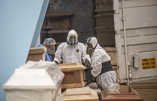 peru passes 13000 virus deaths
