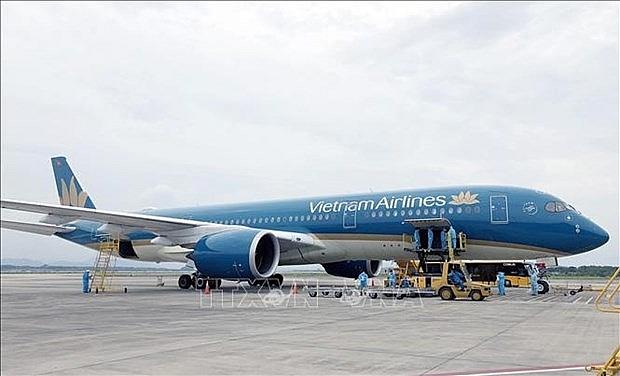 vietnam airlines to resume flights between van don and da nang