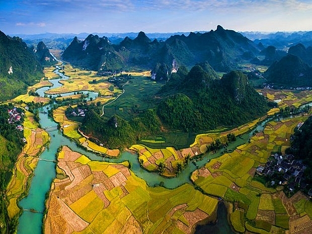 non nuoc cao bang listed in worlds 50 best views by us newswire