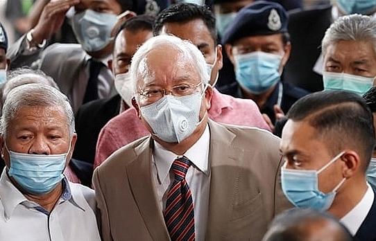 former malaysian pm najib sentenced to 12 years in prison