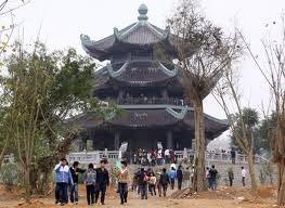 bai dinh site introduced to unesco officials