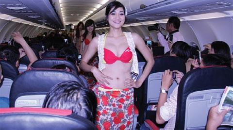 in flight bikini dance lands carrier vietjet air in hot water