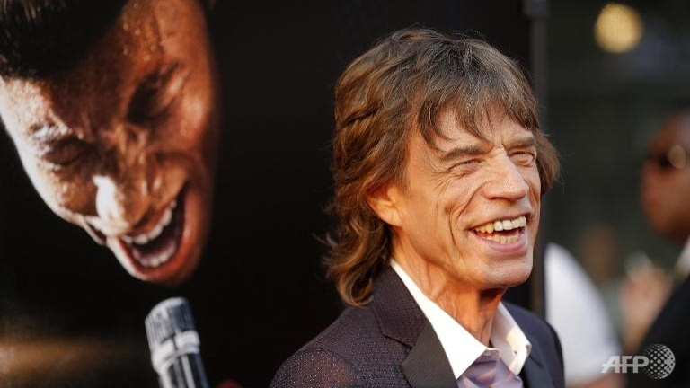 Jagger leads British celebs urging Scots to stay in UK