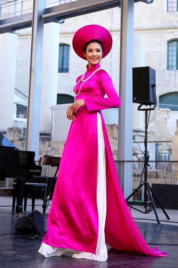 Vietnamese Ao Dai Introduced To Malta Fashion Show New