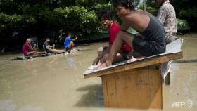Myanmar admits 'weak' flood response as disaster spreads