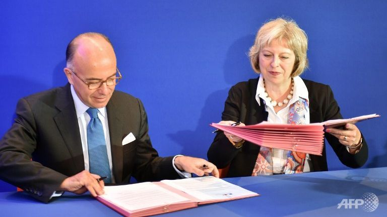 France, Britain to set up crisis centre as migrant pressure rises