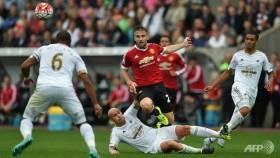 Swansea end Manchester Utd's unbeaten start