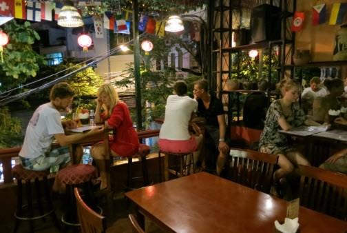 Hanoi Pilots Longer Opening Hours For Restaurants Bars New