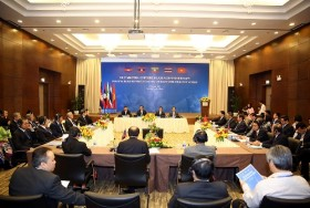 Five countries discuss migrant labor management