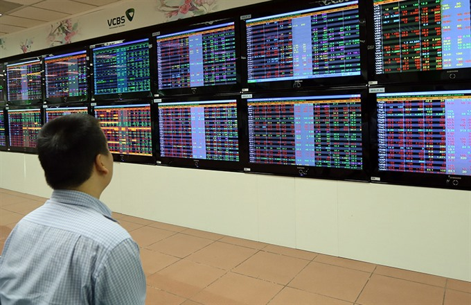 VN shares tumble on global tension