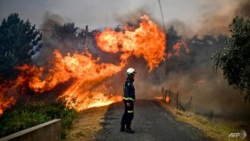 Portugal fires rage as scorching temperatures return