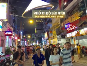Bùi Viện pedestrian street opens for tourists