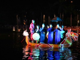 Bắc Ninh residents treated to love duets on boats every Saturday