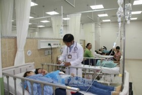 """Đồng Nai worried about """"brain drain"""" at public hospitals"""