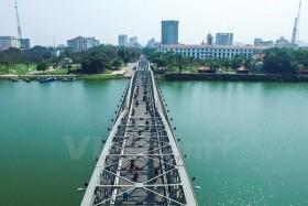 Hue plans to open pedestrian square on Truong Tien Bridge