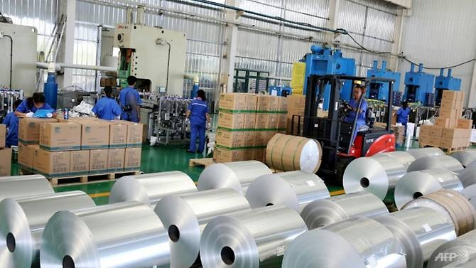 trump threatens to raise tariffs on chinese goods to 25pc up from 10pc